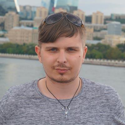 Роман Ежов